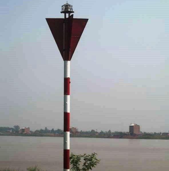 Đèn VIJA-210R lắp ở tuyến sông Thái Bình (Hải Dương)