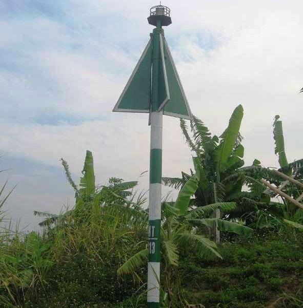 Đèn VIJA-210G lắp ở tuyến sông Thái Bình (Hải Dương)