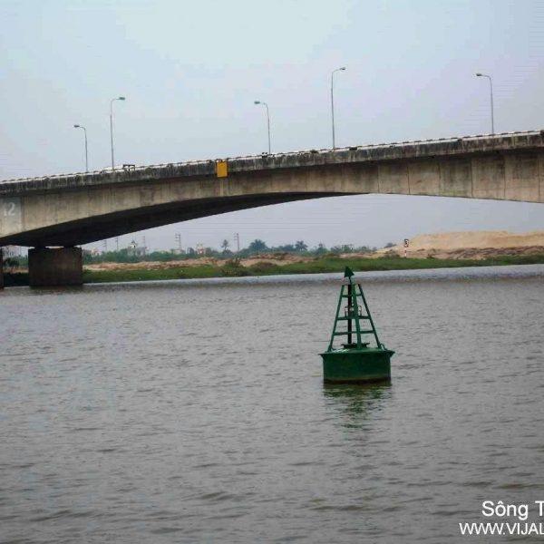 Đèn VIJA-210 lắp ở tuyến sông Thái Bình – Cầu Phú Lương (Hải Dương)